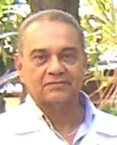 Professor Carlos Alberto Morais de Sá tinha 76 anos