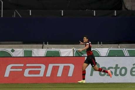 Pedro foi o autor do gol de empate no Fla no Allianz (Foto: Marco Galvão/Fotoarena/Lancepress!)