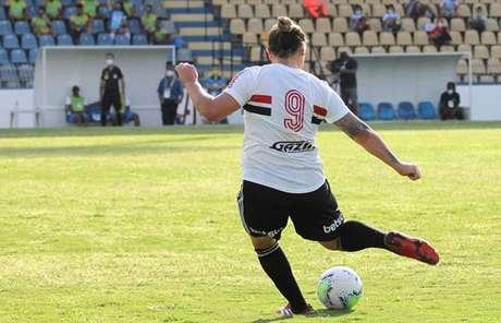 Glaucia, a centroavante do São Paulo, fez quatro gols nos últimos dois jogos da equipe no Brasileirão (Renato Antunes / Agência Maxx Sports)
