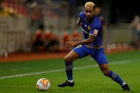 Alex Teixeira tem sete gols e três assistências e busca título chinês na temporada (Divulgação)