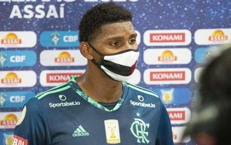 Hugo se emocionou após o jogo (Foto: Alexandre Vidal / Flamengo)