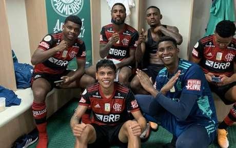 Vestiário do Flamengo, no último domingo, foi marcado por satisfação e vibração (Foto: Reprodução / Instagram)