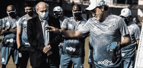Cuca e José Carlos Peres tiveram problemas na segunda passagem do treinador, em 2018 (Foto: Ivan Storti/Santos FC)