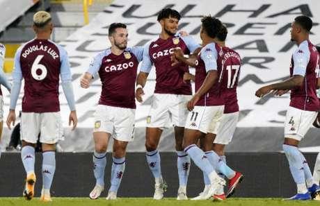 Equipe do Aston Villa teve ótima atuação e conseguiu grande resultado fora de casa (WILL OLIVER / POOL / AFP)