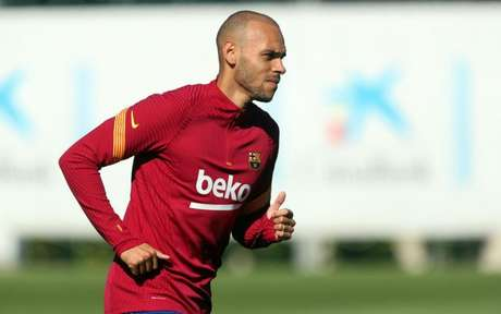 Braithwaite em treino do Barcelona nesta segunda-feira (Foto: Miguel Ruiz / Barcelona)