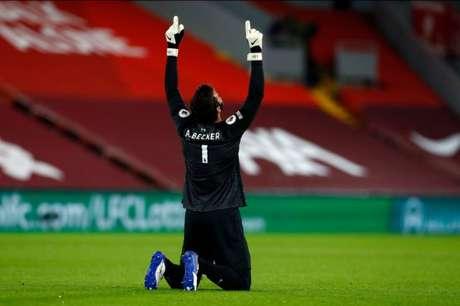 Alisson foi um dos grandes nomes do Liverpool contra o Arsenal (Divulgação)