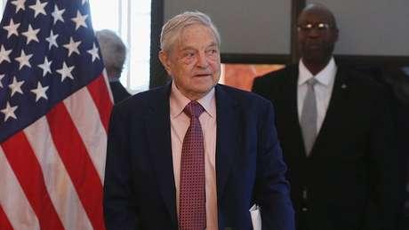 O polêmico bilionário George Soros é um doador regular para campanhas democratas