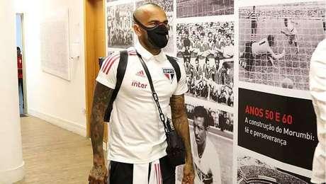 Daniel Alves diz que São Paulo terá de ser 'perfeito' para ganhar do River Plate