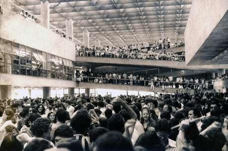 Encontro do movimento estudantil na USP retratado no documentário; Libelu – Abaixo a Ditaduraé um documentário sobre política, mas também sobre comportamento e juventude