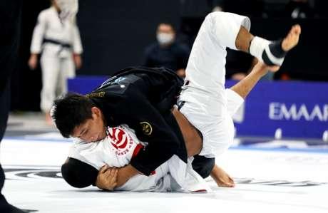 Lucas Pinheiro conquistou o ouro no Abu Dhabi Grand Slam de Miami (Foto: divulgação Atos Jiu-Jitsu)