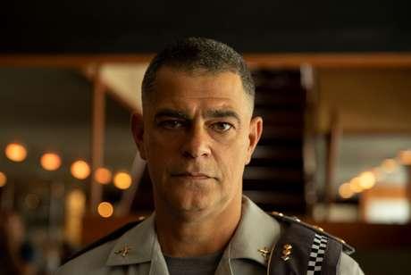 Eduardo Moscovis é Brandão, um serial killer inteligente e perigoso.