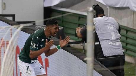 Rony festeja o primeiro gol com a camisa do Palmeiras (Foto: Cesar Greco/Agência Palmeiras)
