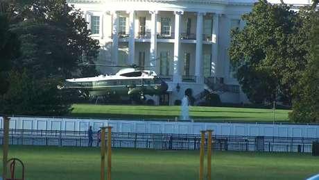 Marine One  pousa nos jardins da Casa Branca