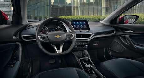 Interior do Tracker Premier 2021: ótima conectividade é um dos pontos altos do carro na versão 1.0.