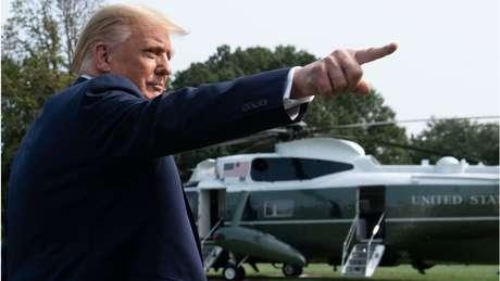 Trump embarcou no mesmo helicóptero que Hope Hicks na quarta-feira; Hicks também testou positivo para coronavírus