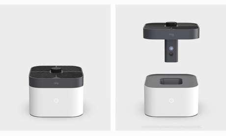 O dispositivo é um pequeno drone que zumbe ao voar pela casa filmando tudo, supostamente para fins de segurança