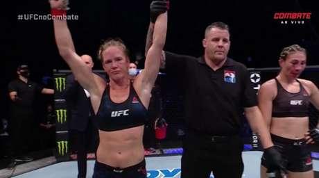 Holly Holm superou Irene Aldana na luta principal do UFC on Fox 16 (Foto: Reprodução/Combate)