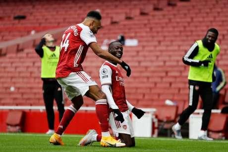 Arsenal vence e dá salto na tabela do Inglês - Divulgação