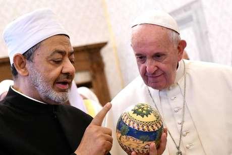 Papa Francisco com o imã Ahmad Al-Tayyeb, em novembro de 2019, no Vaticano