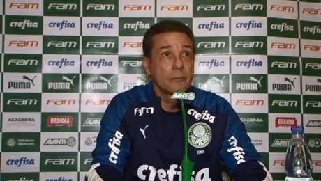 Vanderlei Luxemburgo, técnico do Palmeiras, está sob forte pressão no comando da equipe