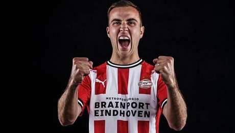 Mario Gotze acertou com o PSV para as duas próximas temporadas