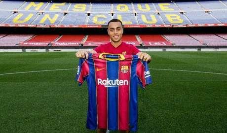 Barcelona pagou21 milhões de euros (aproximadamente R$ 139 milhões) para contratarSergiño Dest