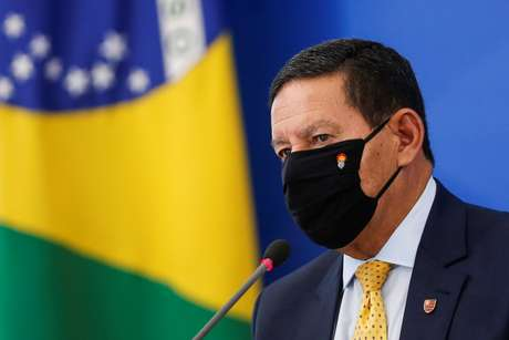 Mourão no PLanalto 9/7/2020 REUTERS/Adriano Machado