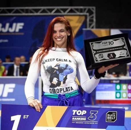 Cláudia do Val analisou expectativa para o aguardado combate contra Gabi Garcia (Foto: MaggieLeft / IBJJF)