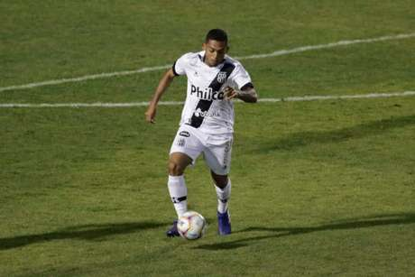 Dawhan marcou o primeiro gol da Ponte Preta sobre o Guarani (Foto: Denny Cesare)