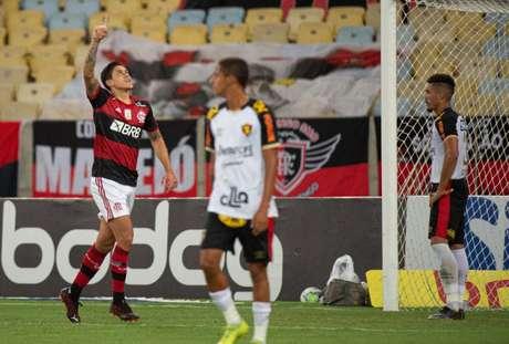Pedro fez dois gols na vitória do Flamengo sobre o Sport por três a zero