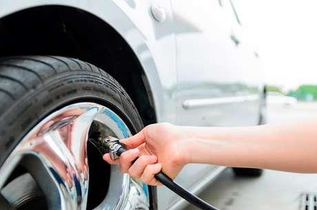Calibrar um pneu com nitrogênio não é barato – chega a custar R$ 10 por unidade – e não está disponível em toda a parte.