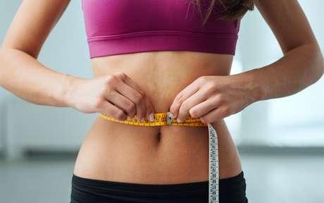 Barriga estufada: dicas para perder peso de maneira saudável