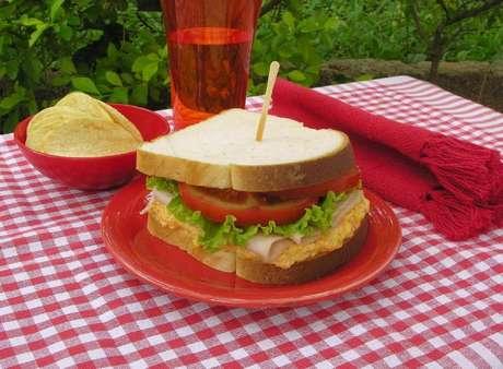 Guia da Cozinha - Sanduíche natural: receita prática e fácil para o dia a dia