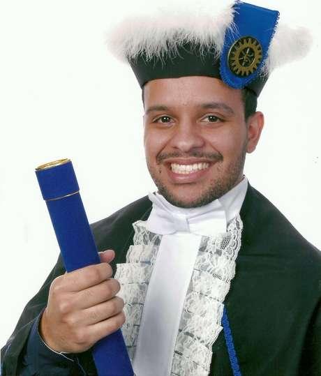 Gustavo Amaral era formado em engenharia e reconhecido por seu bom desempenho escolar