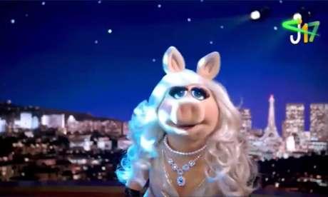 Miss Piggy, da série The Muppets, em campanha eleitoral de Joice