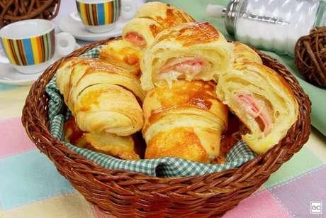 Guia da Cozinha - Croissant de presunto e queijo para um café da manhã especial