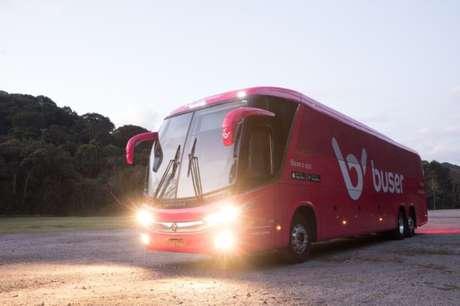 Ônibus a serviço da Buser (imagem: Buser)