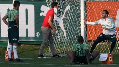 Emerson Santos, em atividade na Academia de Futebol (Foto: Cesar Greco/Palmeiras)