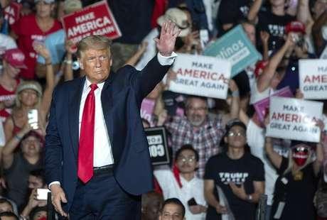 Evento comandado por Trump reuniu centenas de pessoas