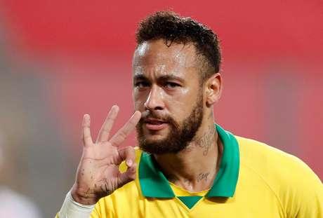 Neymar vai enfim ser campeão do mundo e ganhar prêmio de melhor da temporada em 2022, prevê vidente  13/10/2020 Paolo Aguilar/Pool via REUTERS