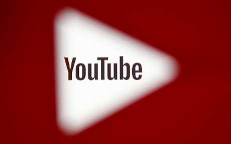 Imagem em 3D do logotipo do YouTube. 25/10/2017. REUTERS/Dado Ruvic