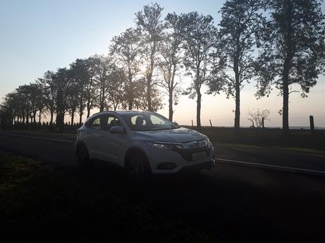 Traveling with the Honda HR-V Touring is a pleasant program, thanks to its characteristics.