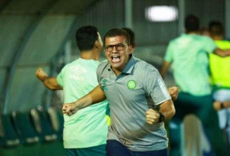 Umberto esteve perto da Raposa, mas preferiu seguir comandando o time catarinense-(Marcio Cunha/Chapecoense)