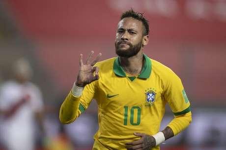 Neymar vibra ao marcar o terceiro gol do Brasil - (Lucas Figueiredo/CBF)