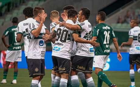 Coritiba venceu o Palmeiras sem levar grandes sustos (Foto: Divulgação/Coritiba)