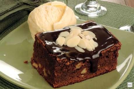 Guia da Cozinha - Brownie de travessa com cobertura