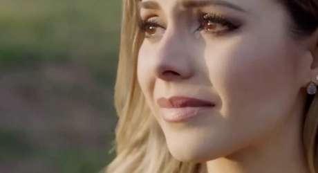 "Sandy em cena de videoclipe do EP ""10:39"""