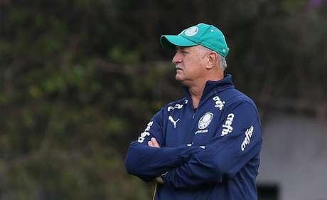 """Luiz Felipe Scolari já havia dito """"não"""" para o Cruzeiro, mas a Raposa vai tentar outra vez contratar o veterano treinador-(Cesar Greco)"""