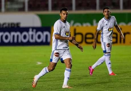 Henrique será operado nos próximos dias e não fará parte dos próximos jogos da Raposa-(Bruno Haddad/Cruzeiro)