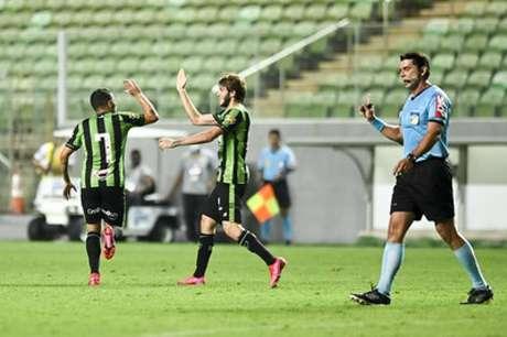 O América-MG vem de duas vitórias consecutivas no Brasileiro da Série B, diante de Vitória-BA e Náutico-(Mourão Panda/América-MG)